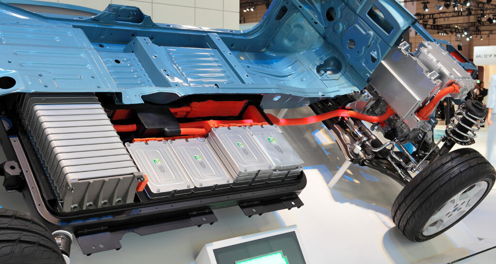 Lítium-ion akkumulátorok egy Nissan Leaf-ben. Forrás: wikipedia